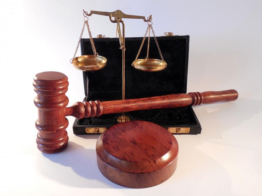 Mutmaßlicher Einbrecher taucht vor Verhandlung ab: Haftbefehl und Fahndung