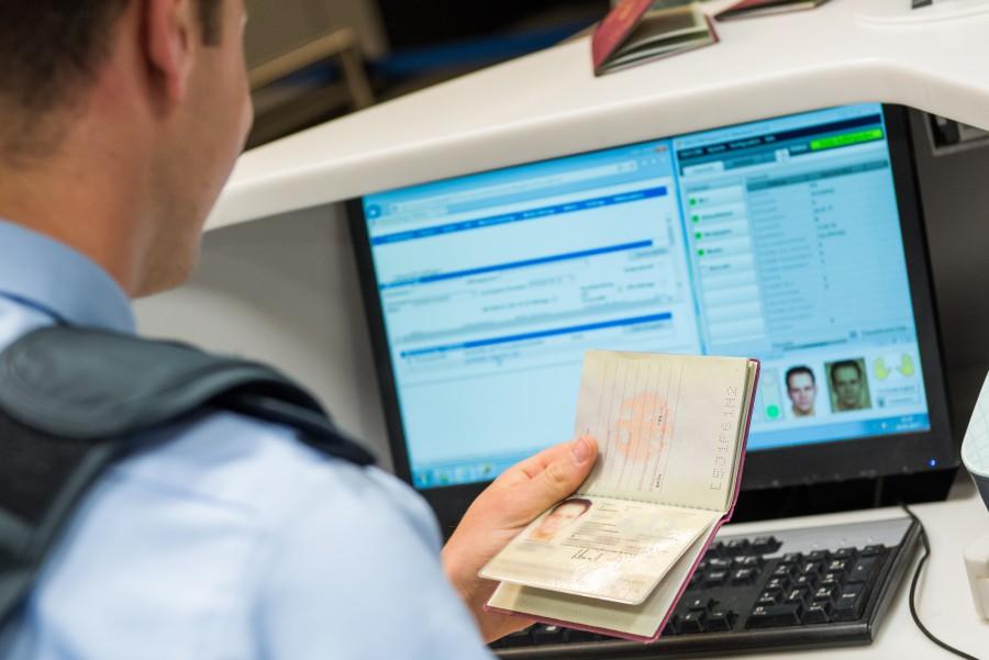 Das Verwaltungsgericht Gelsenkirchen hat in einem Eilverfahren das von der Bundespolizei im Dortmunder Flughafen verhängte Ausreiseverbot gegen zwei Neonazis aufgehoben. (Foto: Bundespolizei)
