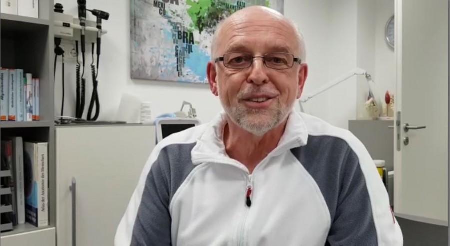 """In einem selbstgefertigten Video aus seiner Praxis widerspricht der Holzwickeder Hausarzt Dr. Udo Pappert der Aussage der Gesundheitspolitiker: """"Wir sind nicht gut vorbereitet auf Corona."""" (Screenshot)"""
