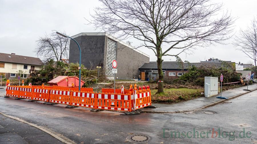 Der Abbruch der ehemaligen Kirche beginnt in der nächsten Woche. Danach entsteht das neue Katharina-von-Bora-Haus auf dem Eckgrundstück an der Winkel- und Wichernstraße. (Foto: P. Gräber - Emscherblog)