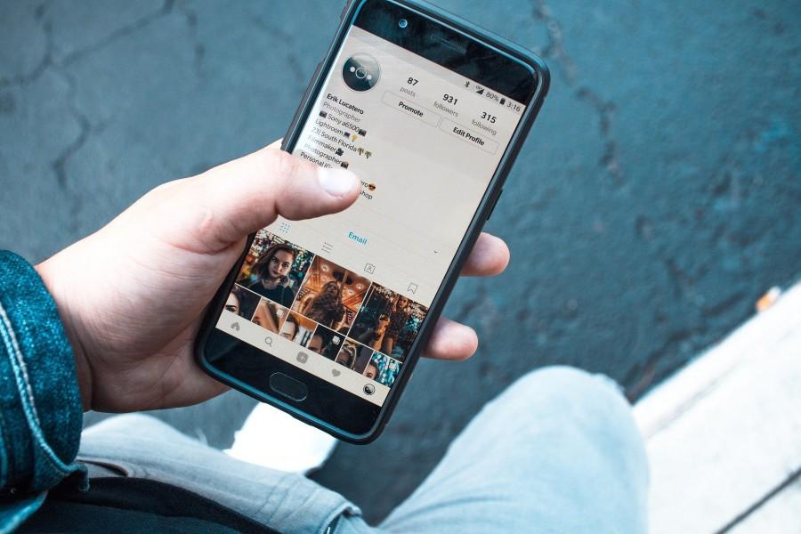 """""""Smartphones und Kostenfallen"""" sind das Thema einer Veranstaltung der Flüchtlingsinitiative und der Verbraucherzentrale am Donnerstag (27. Februar) im Alois-Gemmeke-Haus. (Foto: Pixabay)"""