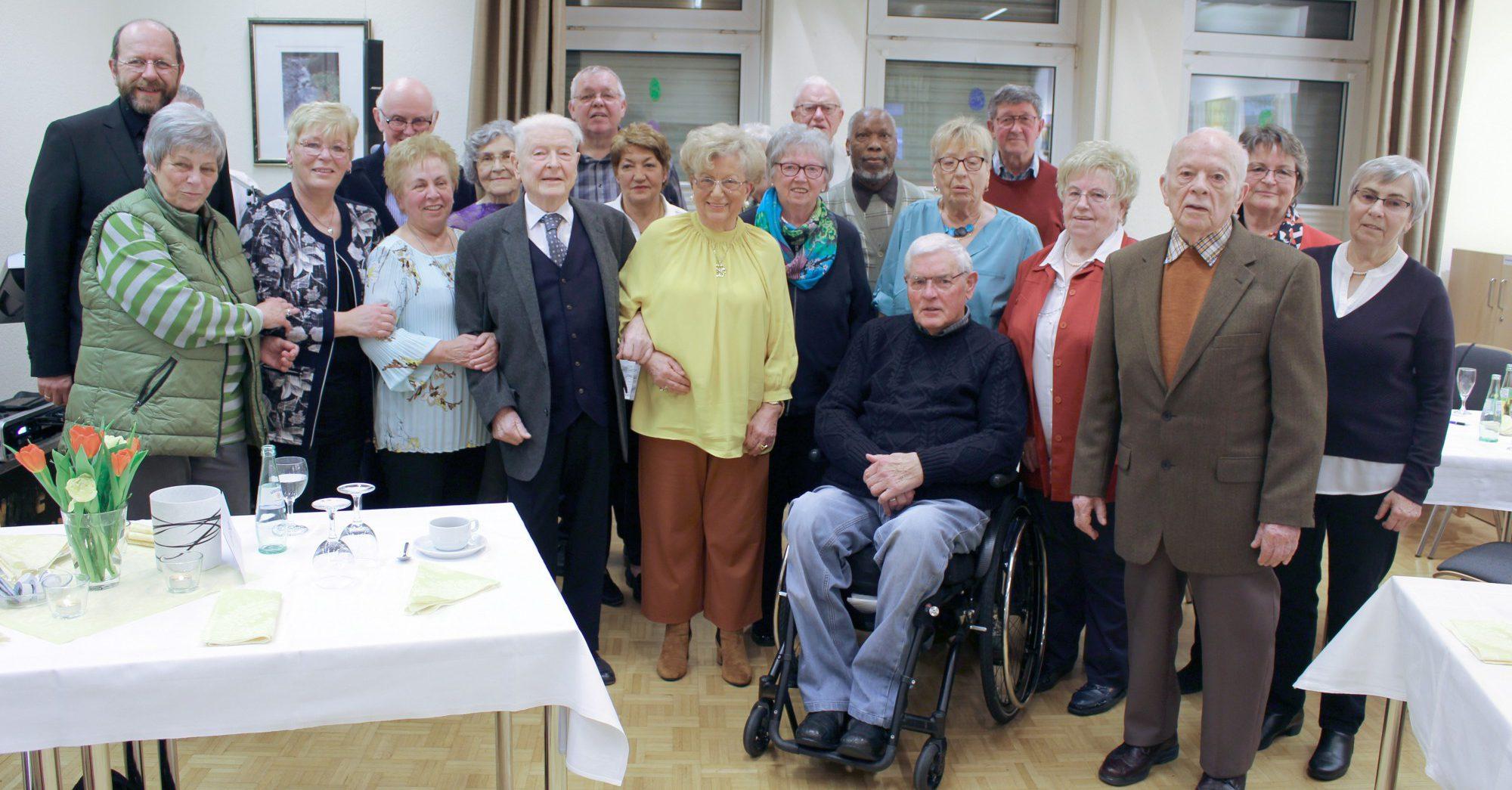Der Trägerverein hatte am Samstag die in den Monaten Januar und Februar geborenen Mitglieder zur Geburtstagsnachfeier in die Begegnungsstätte eingeladen. Foto: privat)