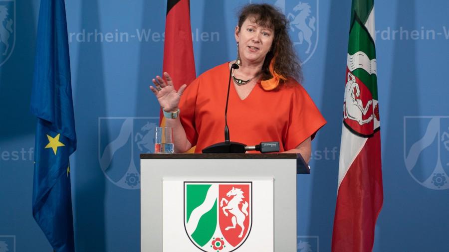 """Wir lassen unsere Sportvereine nicht im Stich"""": Staatssekretärin für Sport und Ehrenamt, Andrea Milz. (Foto: Landesregierung NRW)"""