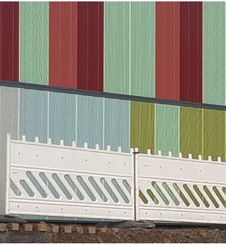 Das Farbkonzept der Lärmschutzwände dient der Verkehrssicherheit und und -lenkung: Grün für Ortslagen: Rot für Abfahrten. (Foto: DEGES NRW)