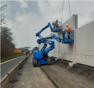 Die Lärmschutzwände an der B1 (A 40) in Holzwickede sind vier bis sechs Meter hoch. (Foto: DEGES NRW)