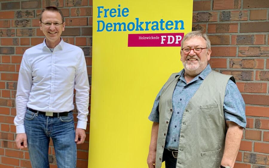 Kreistagskandidaten der FDP Holzwickede.: Lars Berger (li.) und Friedrich-Wilhelm bernhardt. (Foto: FDP)
