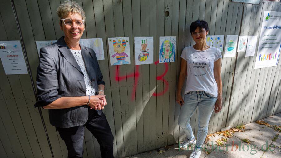 """Bedanken sich bei allen, die sich bisher am Projekt """"Auszeit"""" beteiligt haben und hoffen auf noch möglichst viele Bilder: die beiden Initiatorinnen Bürgermeisterin Ulrike Drossel und Andrea Springer (r.). (Foto: P. Gräber - Emscherblog)"""