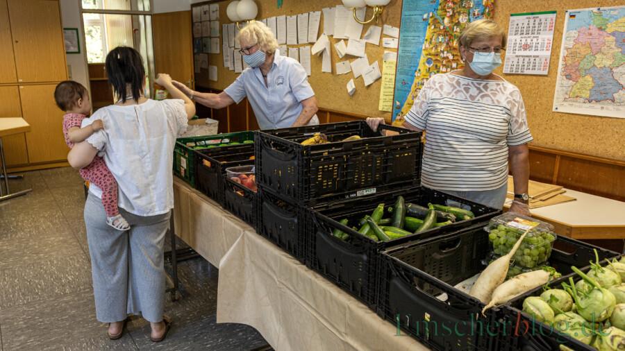 """Die Tafelausgabe von Lebensmitteln kann morgen wie gewohnt ab 12 Uhr im ev. Gemeindehaus stattfinden, teilt die Seniorengruppe """"Mit Rat und Tat"""" mit.  (Foto: P. Gräber - Emscherblog)"""