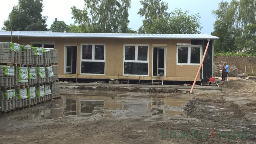 Schon während der Bauphase für die Modulbauten (Bild) sollen erste Baumängel erkennbar gewesen sein, so Die Grünen. (Foto: P. Gräber - Emscherblog)