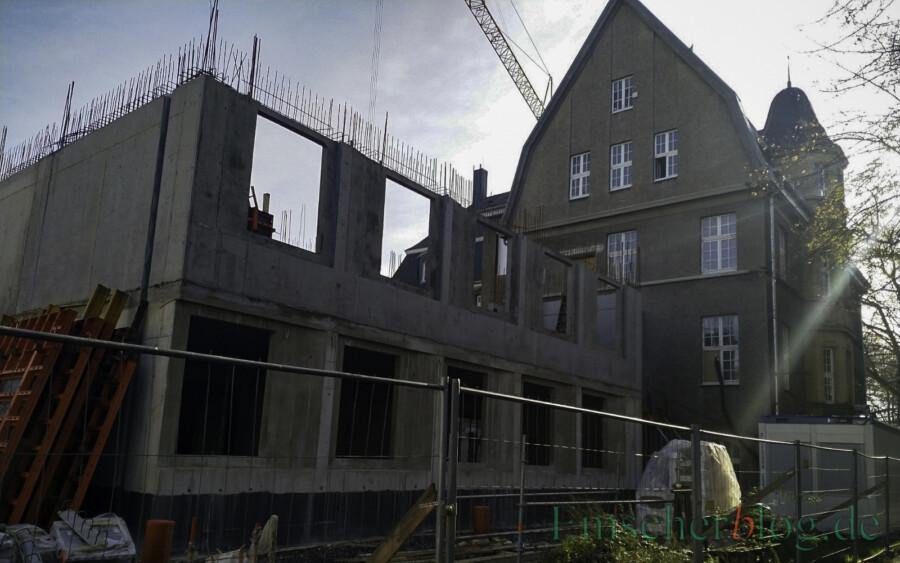 """Der Neubau des Rat- und Bürgerhauses (Foto) bleibt größtes Investitionsprojekt auch im neuen Haushalt. Bisher sind schon 80 Prozent aller Arbeiten vergeben, so die Bürgermeisterin. """"Und wir liegen immer noch in unserem Kostenplan."""" (Foto: P. Gräber - Emscherblog)"""