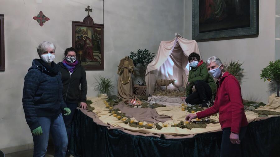 Liturgiekreis baut Krippenlandschaft in St. Stephanuskirche auf