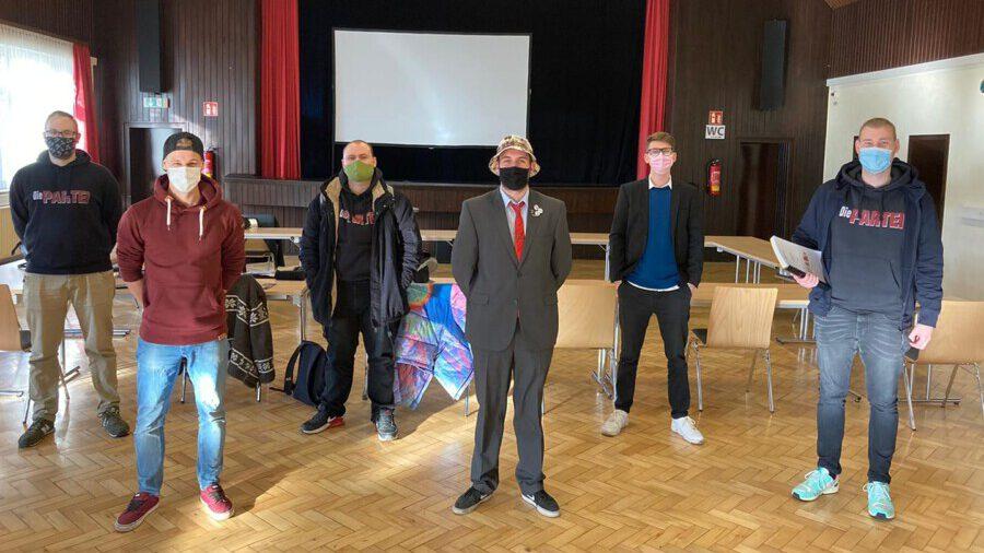 Die Partei-Mitglieder trafen sich zu ihrer ersten Klausurberatung am letzten November-Wochenende in der Rausinger Halle. (Foto: Die Partei)