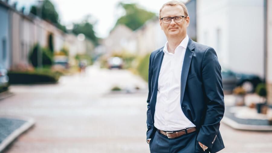 Überwältigende Mehrheit für seine erneuete Nominierung im Wahlkreis 144: Bundestagsabgeordneter Oliver Kaczmarek. (Foto: SPD UB Unna)