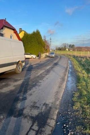 Schlechte Sicht auf den Gegenverkehr: die Weststraße in Höhe Hausnummer 10. (Foto: Volker Schütte)