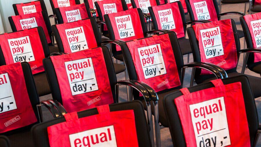 Der Equal Pay Day morgen will auf die immer noch bestehende Lohnlücke zwischen  Männer und Frauen aufmerksam machen. (Foto: Inga Haar - equalpayday.de)