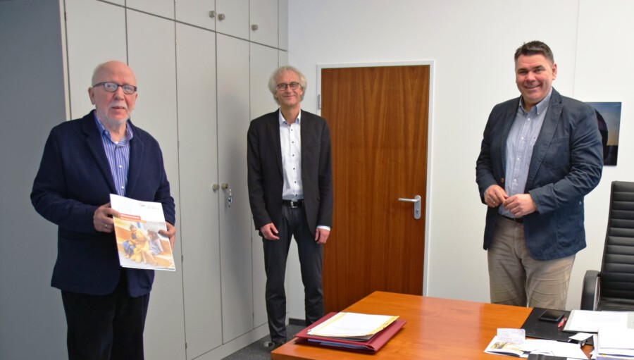 Austausch im Kreishaus: (v. l.) AWO-Vorsitzender Wolfram Kuschke, AWO-Geschäftsführer Rainer Goepfert, Landrat Mario Löhr (Foto: Kreis Unna).