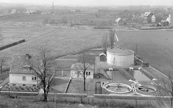 Die alte Emscher-Kläranlage an der Rausinger Straße im Jahr 1951. (Quelle: Archiv Emschergenossenschaft)