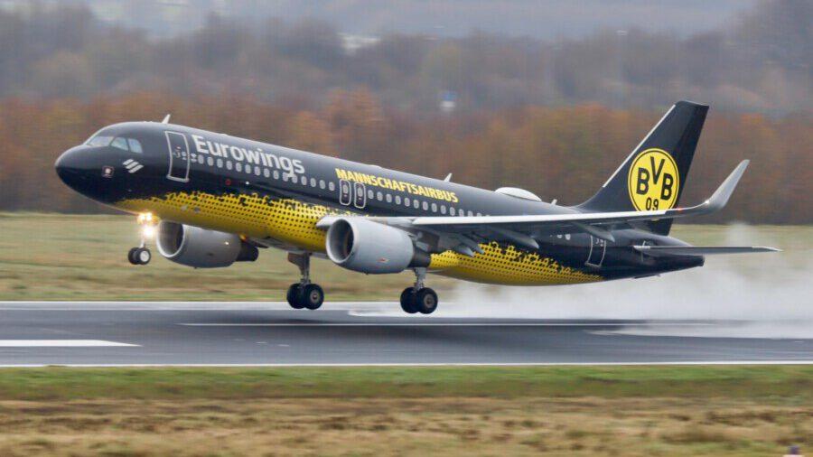 Der BVB Mannschafts-Airbus ist ein europaweit bekanntes Fotomotiv und wird künftig ein regelmäßiger Gast in Dortmund sein: Abflug der Mannschaft vom BvB vom Dortmund Airport. (Foto: Sascha Kamrau - Dortmund Airport)