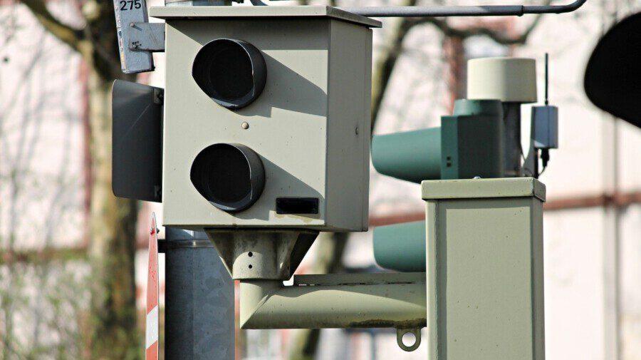 """46.995 Geschwindigkeitsverstöße wurden durch die stationären Blitzer (""""Starenkästen"""") im Kreis Unna im Vorjahr registriert. (Foto: Manfred Richter - Pixabay.de)"""