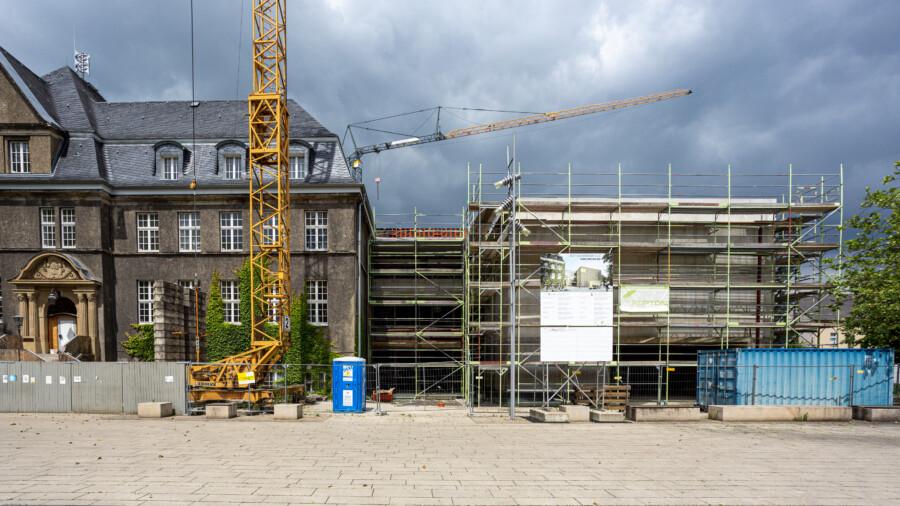 Der neue Rat- und Bürgerhaus wächst und soll Ende des Jahres fertig sein: Für den Rathausanbau wünschen sich die Grünen eine Zeitkapsel, gefüllt mit Schriftstücken, Dokumenten, Fotos und zeittypischen Gegenständen. (Foto: P. Gräber - Emscherblog)