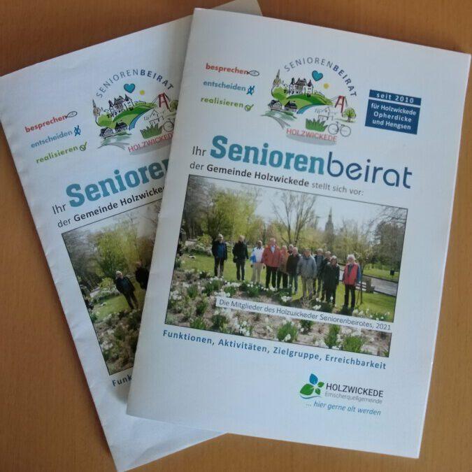 Der neue Wegweiser für das 2. Halbjahr 2021 für Senioren und Angehörige ist ab sofort an den üblichen Stellen erhältlich. (Foto: Gemeinde Holzwickede)