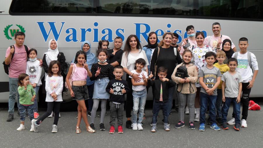 """Die Teilnehmer des Projektes """"Integration durch Sprachförderung und Information für zugewanderte Mütter und Kinder"""" der AWO-Integrationsagentur im Kreis Unna waren von dem Ausflug zum Dortmunder Zoo begeistert. (Foto: AWO RLE)"""