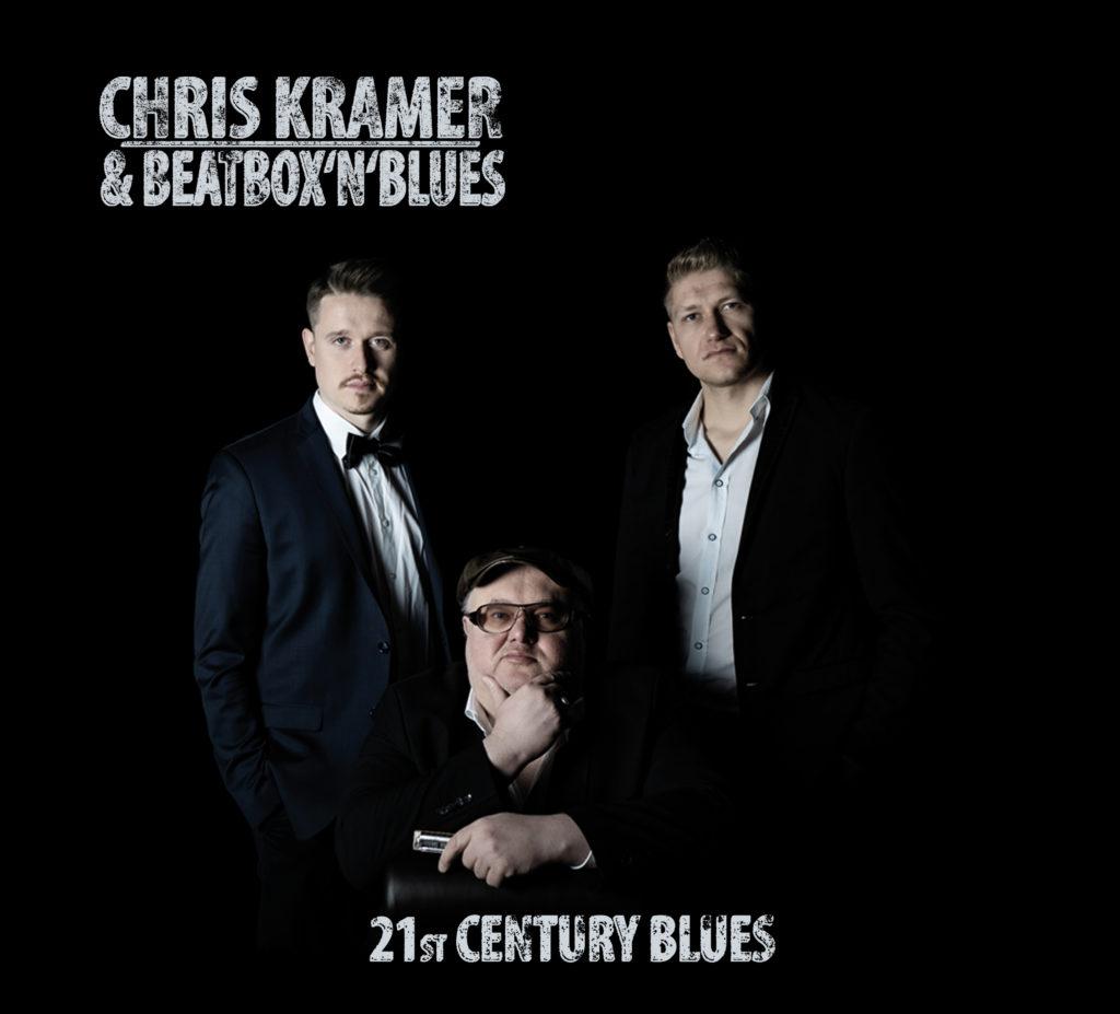Cover des neuen Silberlings von Chris Kramer & Beatbox 'n' Blues. Links im Bild: Kevin O Neal, zweifacher deutscher Beatbox-Meister aus Holzwickede sowie Chris Kramer (sitzend) und Sean Athens. (Foto: BTM Muskverlag)