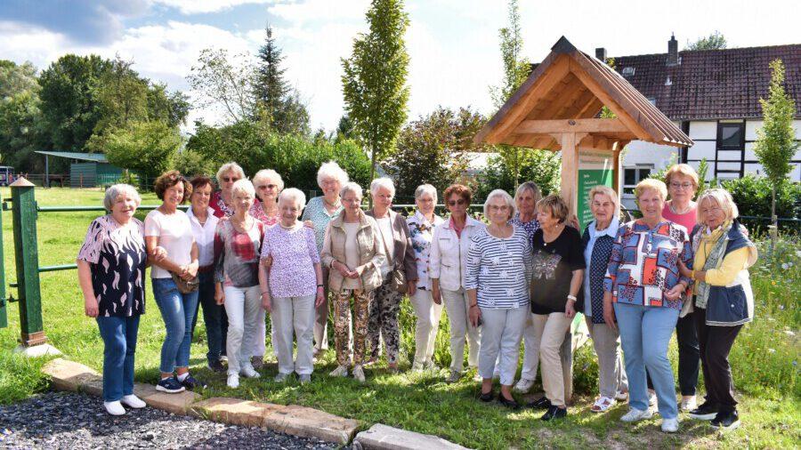 Die Frauen Union Holzwickede traf sich nach 17-monatiger Pause im Opherdicker Ostendorf wieder. (Foto: privat)