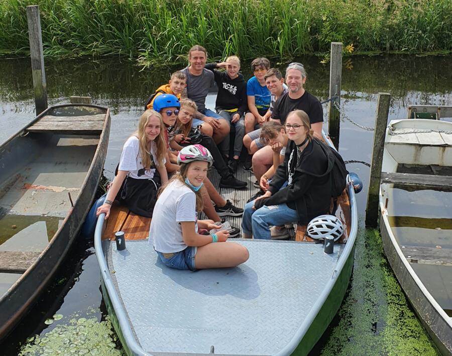 Aber auch das Boot war ein gerne genutztes Fortbewegungsmittel auf den Kanälen und Grachten in der Umgebung. (Foto: privat)