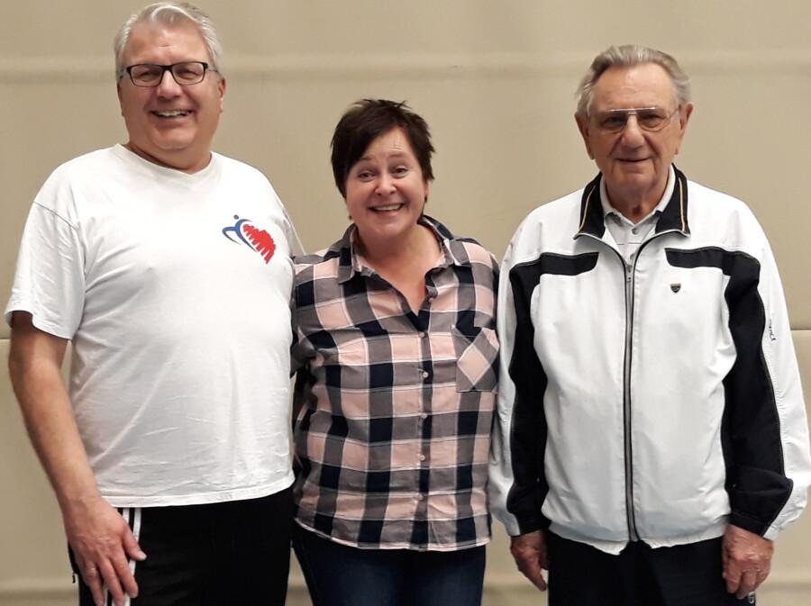 Die Kornarsportgruppe Unna nimmt ihren Trainingsbetrieb wieder auf: Der Vorstand (von li.) mit Frank Murmann (1. Vorsitzender),  Beate Engelmann (Geschäftsführerin) und  Gerhard Schauer (2. Vorsitzender). (Foto: privat)
