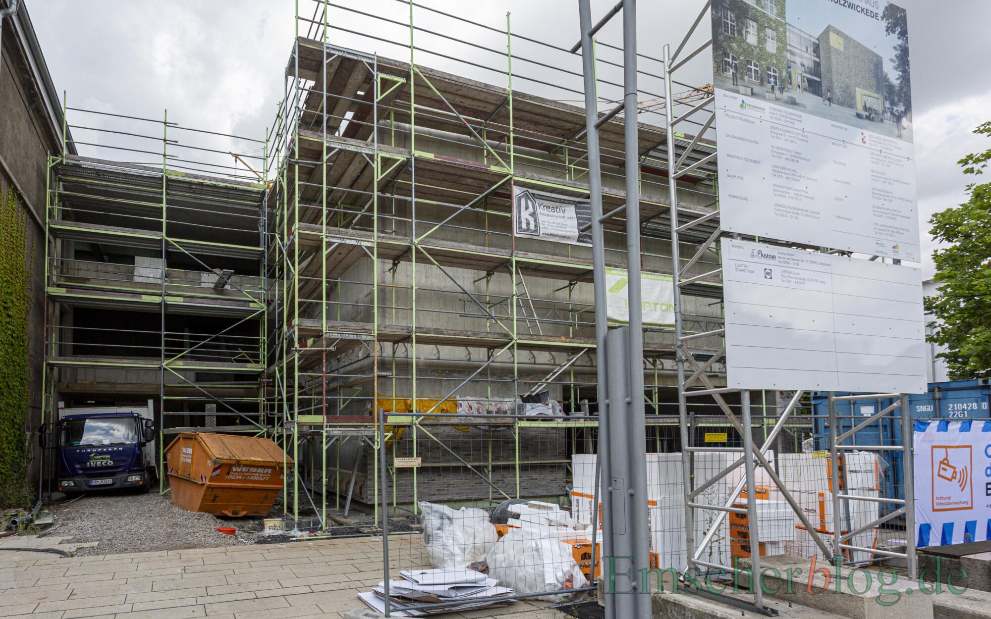 Das Ende und die technische Abnahme des Rohbaus stellt einen Meilenstein beim Bau des neuen Rat- und Bürgerhauses dar. (Foto: P. Gräber - Emscherblog)