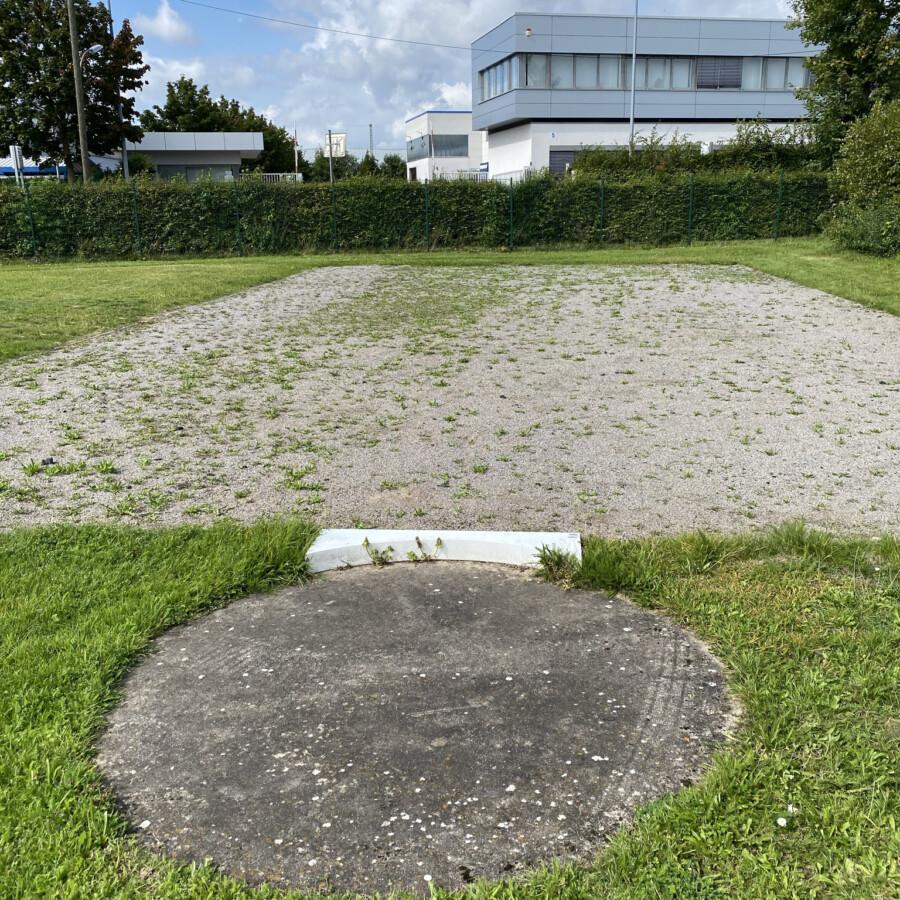 """Der zuständige Fachbereichsleiter war """"entsetzt"""": Mit solchen Fotos dokumentierte die SPD den schlechten Zustand der Sportstätten. (Foto: SPD Holzwickede)"""