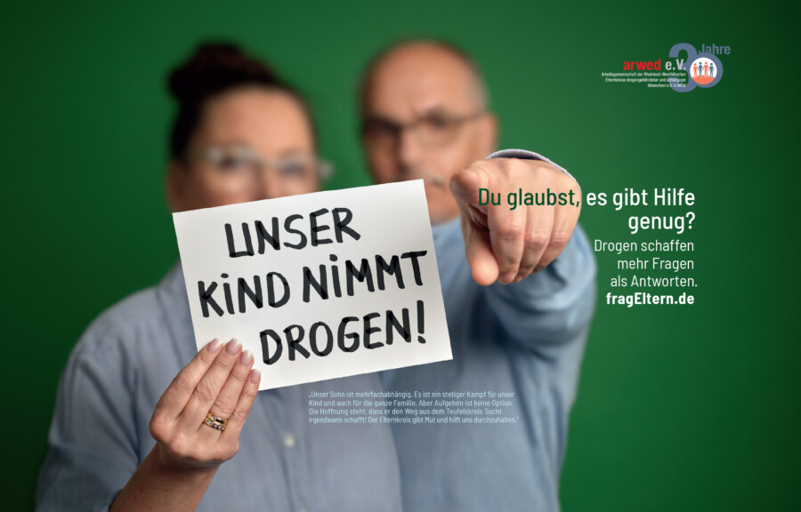 """Plakat zur Kampagne """"fragEltern"""", in der sich Eltern drogenabhängiger Kinder zu Wort melden. (Foto: fragEltern)"""