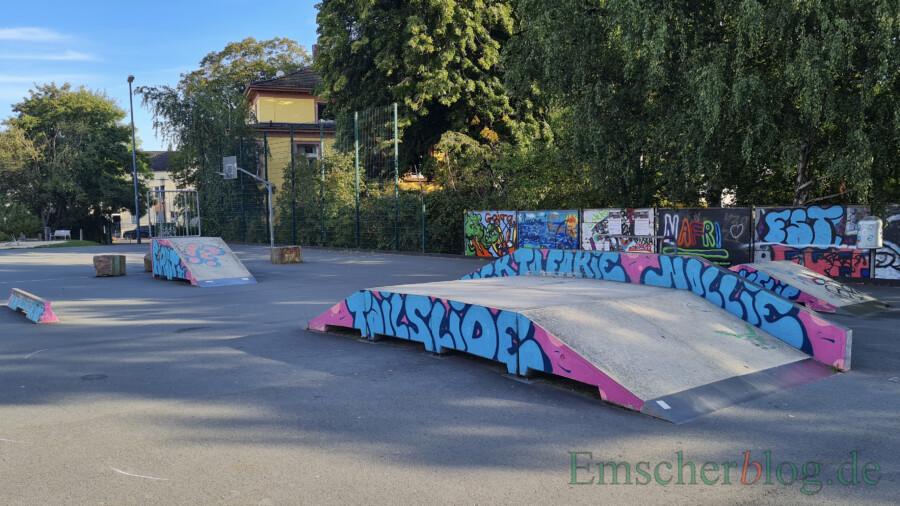 Die Partei möchte die Skateranlage am Treffpunkt Villa (Bild) mit einem zweiten Basketballkorb und einer Halfpipe nachrüsten. (Foto: P. Gräber - Emscherblog)