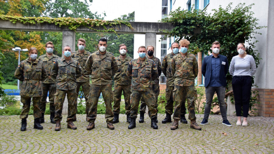 Das Team der Bundeswehr beim Dienstantritt im Gesundheitsamt. (Foto: Anita Lehrke – Kreis Unna)