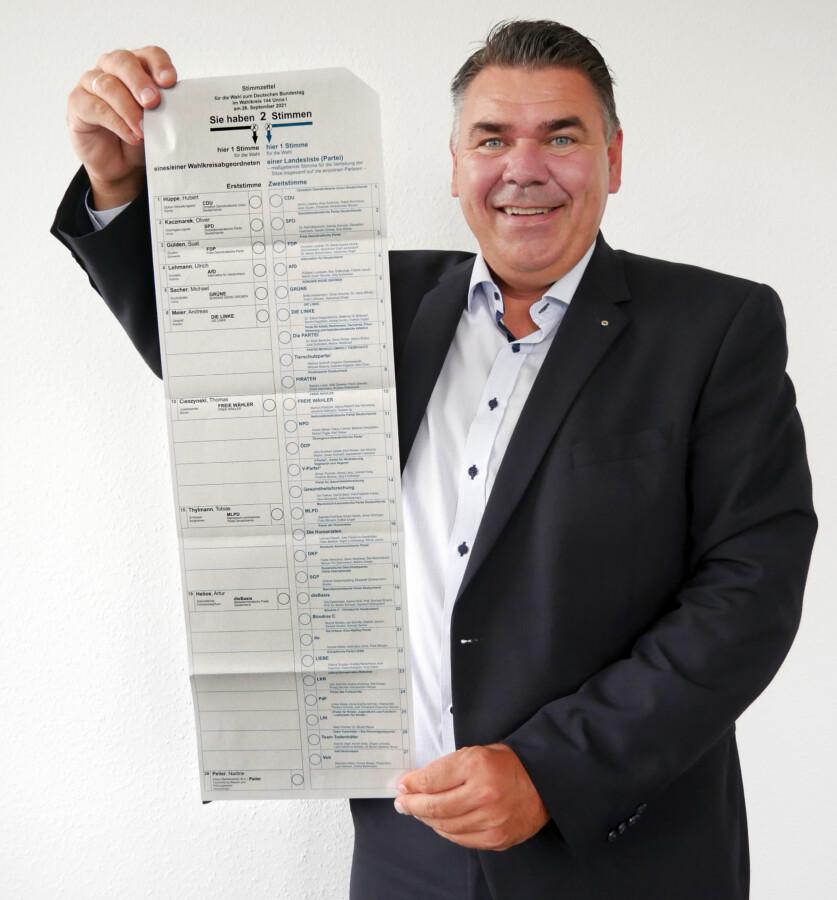 Kreiswahlleiter Mario Löhr ruft zur Stimmabgabe auf. (Foto: Birgit Kalle – Kreis Unna)