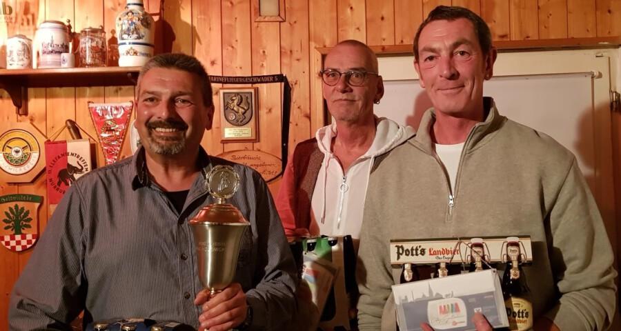 Beim Helferabend des Motor-Sport-Clubs Holzwickede wurden auch die Clubmeister des MSC geehrt, von li.: Frank Griese, Frank Neuhaus, Dirk Schmidt. (Foto: MSC Holzwickede)